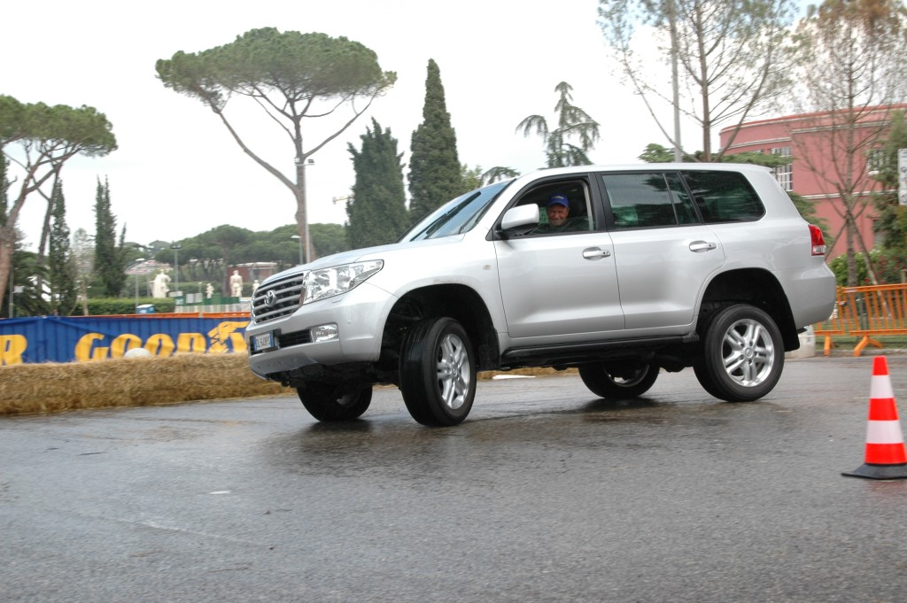2008_toyota land cruiser