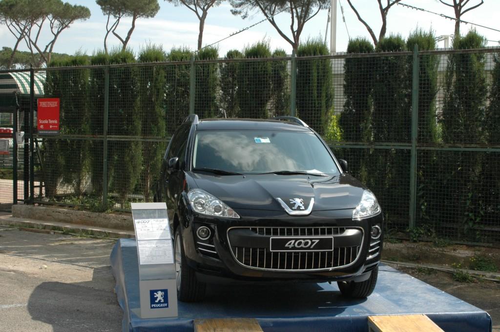 2008_Foto 1 bis Peugeot